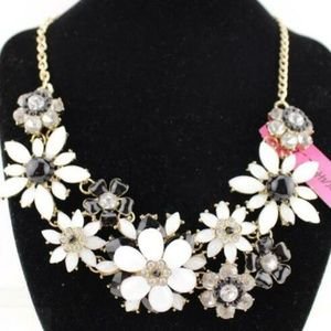 Beautiful charming Flower women Gift necklace